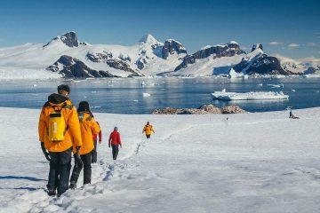 QuarkExpeditions_AntarcticExplorer_DavidMerronuntitled-51---ContentAware